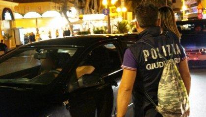 Senza patente e con le quattro frecce supera sulla Marecchiese e mente sui motivi: 10 mila euro di multa