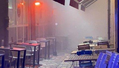 Fumo in un locale del centro, intervengono i Vigili del fuoco