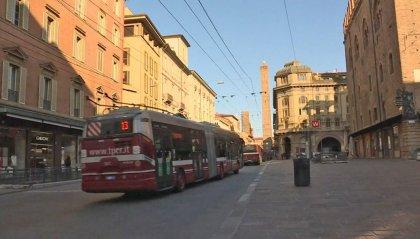 """Trasporti potenziati, da lunedì 80 nuovi autobus in Emilia-Romagna: """"Vigilanza anche alle fermate"""""""