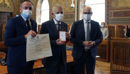 Al Commissario Straordinario, Arlotti, l'onorificenza di Commendatore dell'Ordine Equestre di Sant'Agata