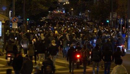 Coronavirus: notte di scontri e proteste a Napoli
