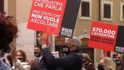 Tante categorie in crisi, proteste in Italia: a Montecitorio in piazza anche il settore di convegni e congressi