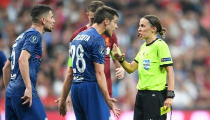 Stephanie Frappart: la prima donna ad arbitrare in Champions League