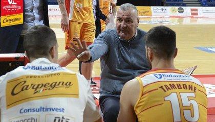 Pesaro regge un tempo, Sassari vince 99-74