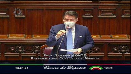 """L'appello di Conte: """"Chi ha a cuore il destino dell'Italia ci aiuti"""""""