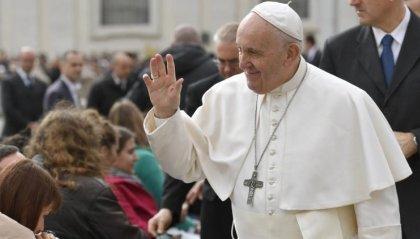 """Media: l'invito del Papa """"Raccontare la vita vera, incontrando le persone. No all'informazione fotocopia"""""""
