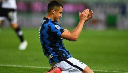 Inter allunga in classifica vincendo a Parma