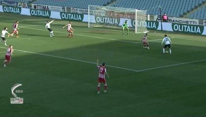 Il Cesena passeggia, la Vis Pesaro corre e lo punisce 0-2