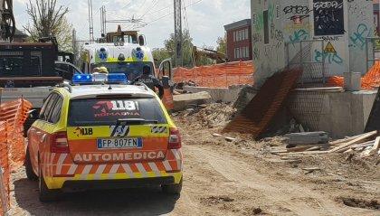 Tragedia a Viserba: 53enne rimane schiacciato sotto un mezzo