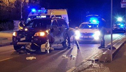 Rimini: travolta da un'auto a bordo del suo scooter. 26enne trasportata al Bufalini
