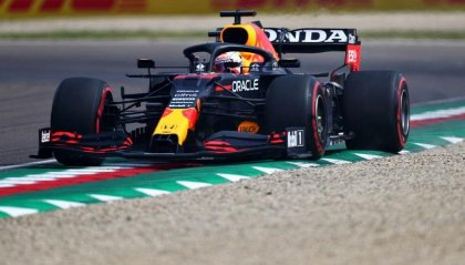 Imola: Verstappen vola nelle FP3