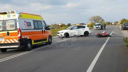 San Giovanni in Marignano: auto contro moto, grave 27enne