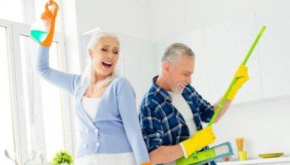 Fare le pulizie di casa mantiene attivi