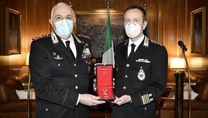 """Conferita la """"Croce d'oro al Merito dell'Arma dei Carabinieri"""" al Comandante della Gendarmeria Faraone"""