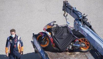 Gp di Spagna: Marquez cade anche nel warm up, moto distrutta