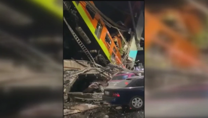 Città del Messico: crolla la metropolitana sopraelevata. Decine di morti e feriti