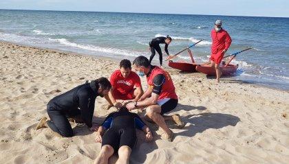 Rimini: i Marinai di Salvataggio danno prova di grande professionalità con simulazioni al bagno 62