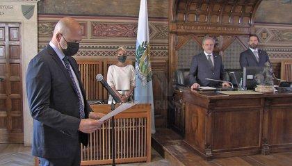 Con una cerimonia solenne a Palazzo San Marino ha accolto 61 nuovi cittadini