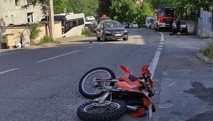 Gualdicciolo: scontro fra auto e moto, strada chiusa in entrambi i sensi