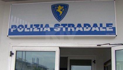 Nasconde due migranti nella cella frigo del tir: arrestato 38enne