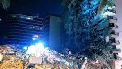 Miami, crolla palazzo di 12 piani. Si scava fra le macerie