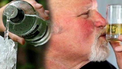 Perde la vista dopo un brindisi con la vodka, la ritrova con il whisky