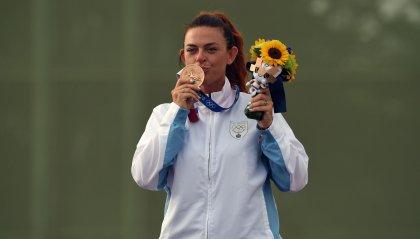 CONS: Alessandra Perilli vince la medaglia di bronzo e fa entrare San Marino nella storia. Gian Marco Berti fuori dalla finale per un piattello