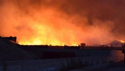 Sicilia in fiamme, a Catania situazione fuori controllo