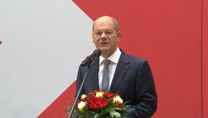 Germania: il leader SPD Scholz si candida ad erede della Merkel, ma lo scenario post-elezioni è incerto