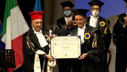 VIDEO | Il ct Roberto Mancini riceve a Urbino la laurea honoris causa in Scienze dello Sport