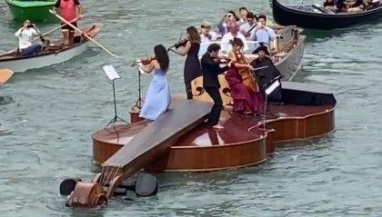Il Violino di Noè simbolo della rinascita di Venezia