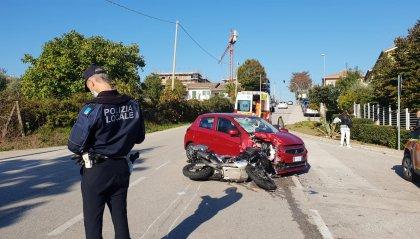 Coriano: scontro tra auto e moto, grave il centauro