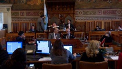 Consiglio: passa con 32 voti la legge sul Dirigente del Tribunale. L'opposizione non ritira le schede