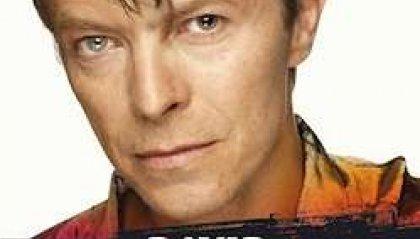 Libri, David Bowie nella biografia Hoepli di Luca Garrò